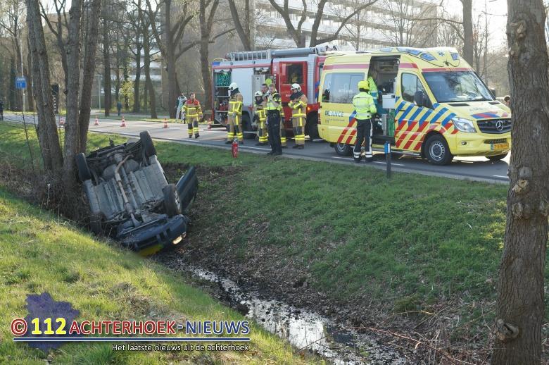 Twee vrouwen lichtgewond na eenzijdig ongeluk in Doetinchem.