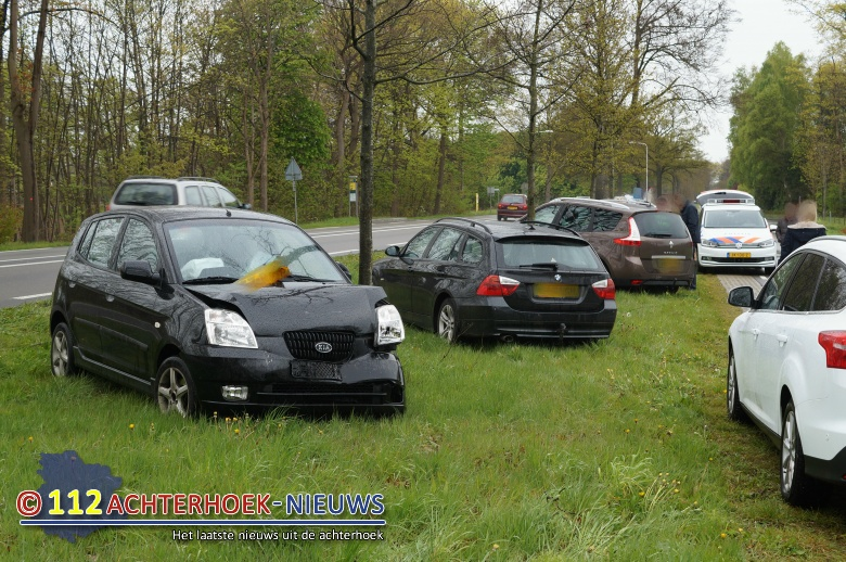 Gewonde bij kop-staartbotsing Groenloseweg Winterswijk.