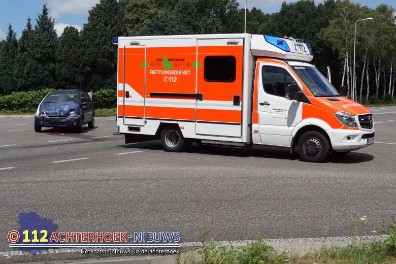 Duitse Ambulance betrokken bij aanrijding in Aalten.