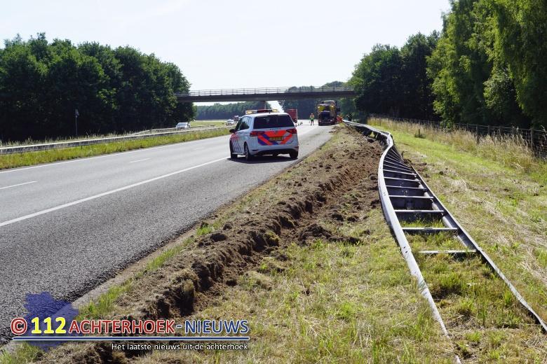 Diesel op A18 door ongeval met vrachtwagen Gaanderen.