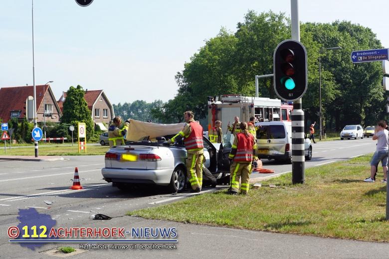 Vrouw gewond bij aanrijding in Bredevoort.