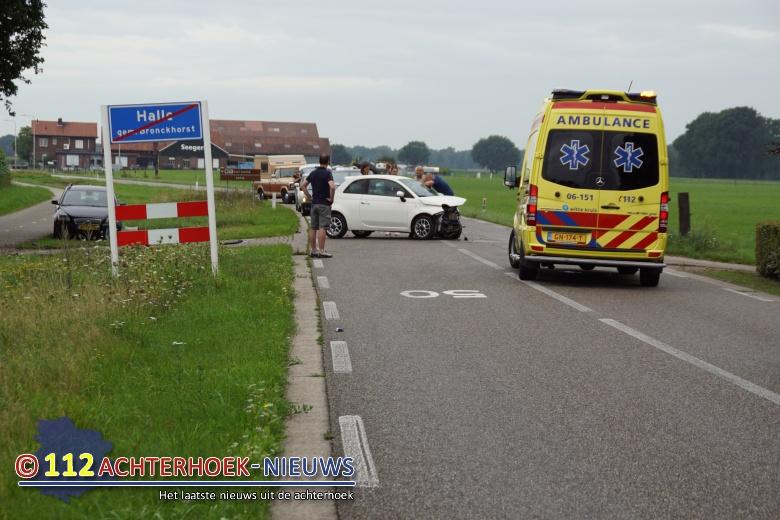Bestuurster gewond na aanrijding in Halle.