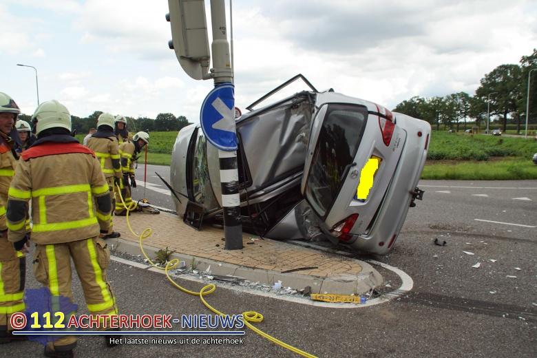 Drie gewonden bij aanrijding in Doetinchem.