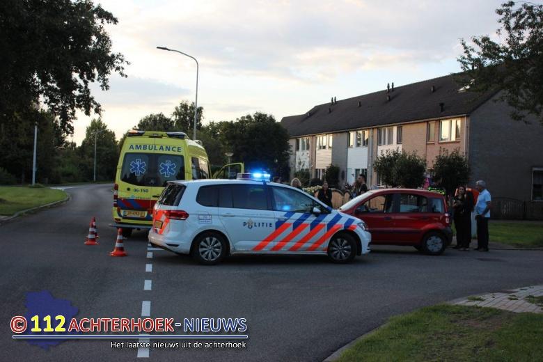 Fietser raakt gewond na aanrijding met auto in Doetinchem.