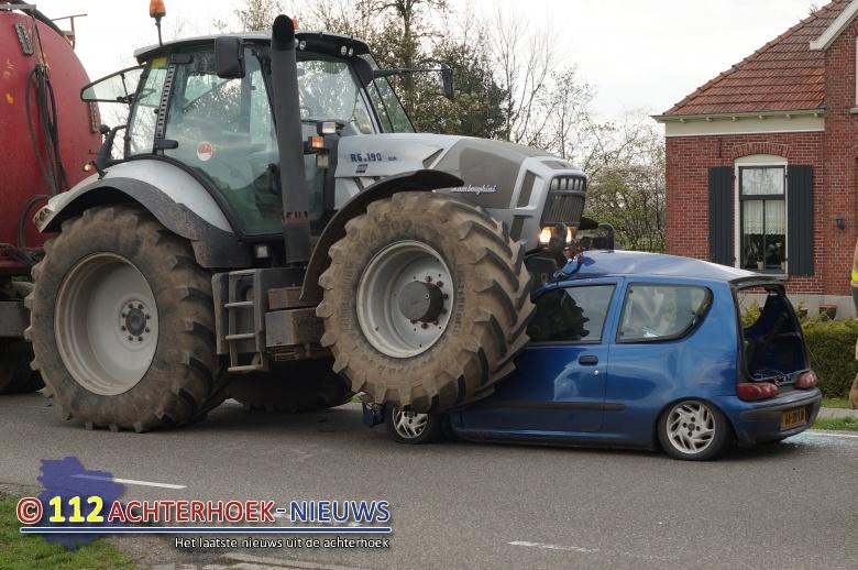 Taakstraf voor Tractorchauffeur voor ongeluk in Corle waarbij auto onder tractor terechtkwam.