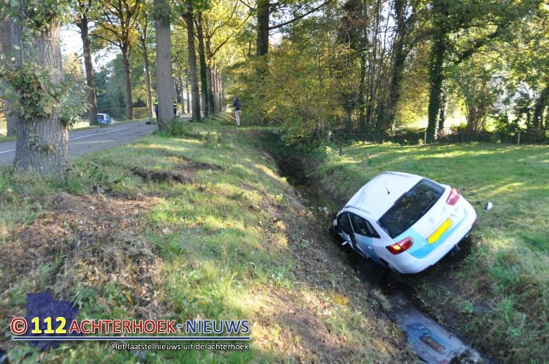 Auto in sloot en gewonde na botsing Borculoseweg  Haarlo.