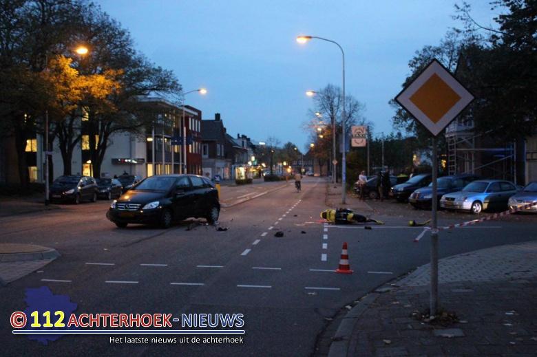Motorrijder raakt gewond na aanrijding met auto in Doetinchem.