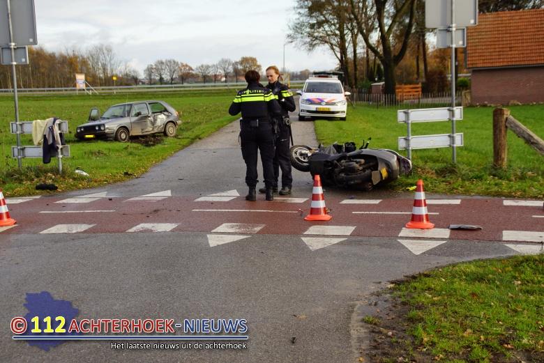 Twee gewonden bij aanrijding met scooter in Groenlo.