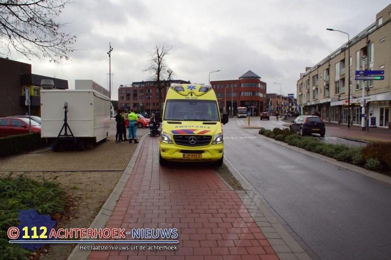 Vrouw op Fiets raakt gewond na aanrijding in Doetinchem.