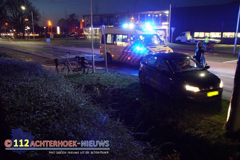 Fietsster raakt gewond bij aanrijding op oversteekplaats in Aalten.