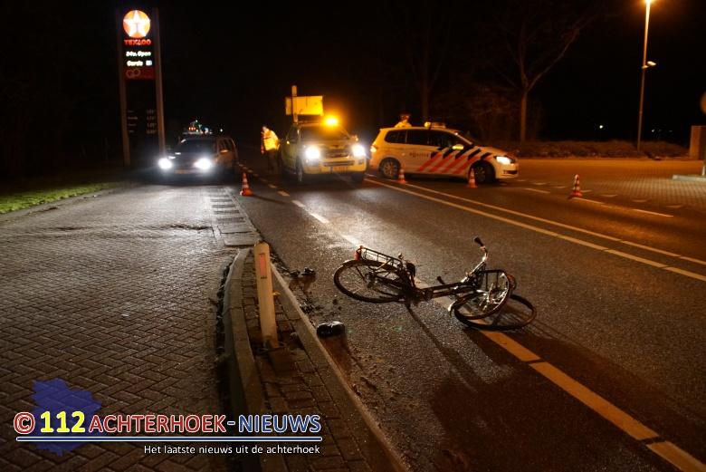 Vrachtwagen rijdt door na aanrijding met fietser Europaweg N18 Lichtenvoorde.