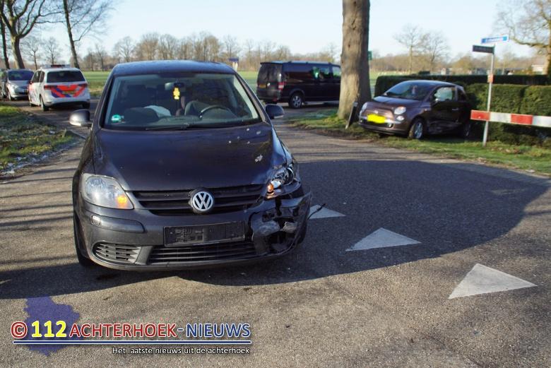 Veel schade, geen gewonden bij botsing in Marienvelde.
