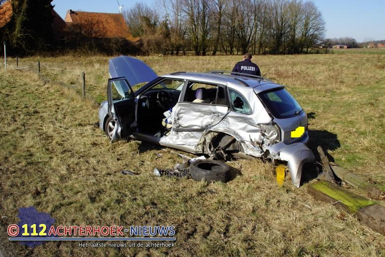 Nederlandse echtpaar uit Ruurlo ernstig gewond na ongeval in Vreden Duitsland.