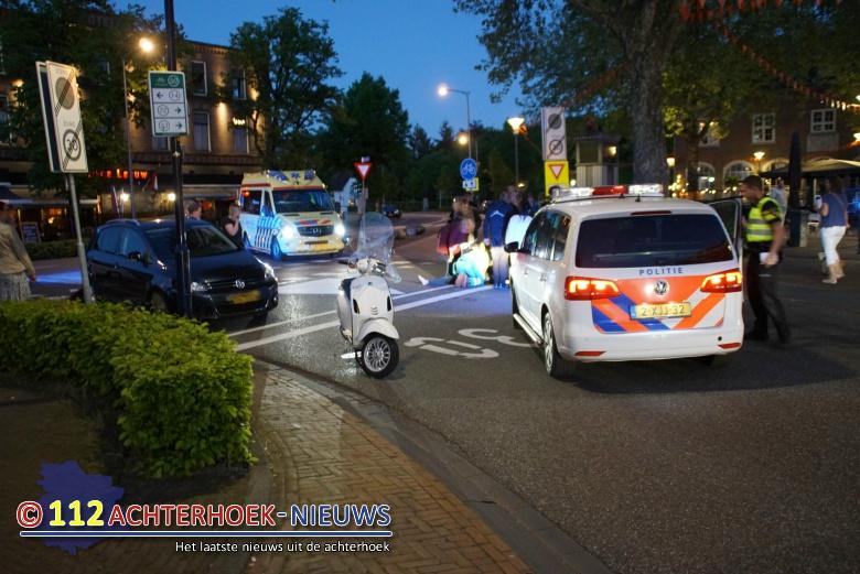 Passagier scooter gewond na botsing met auto in Terborg.