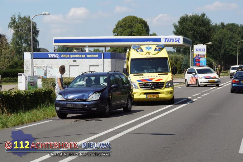 Kettingbotsing tussen drie voertuigen op Rondweg N316 in Hengelo.