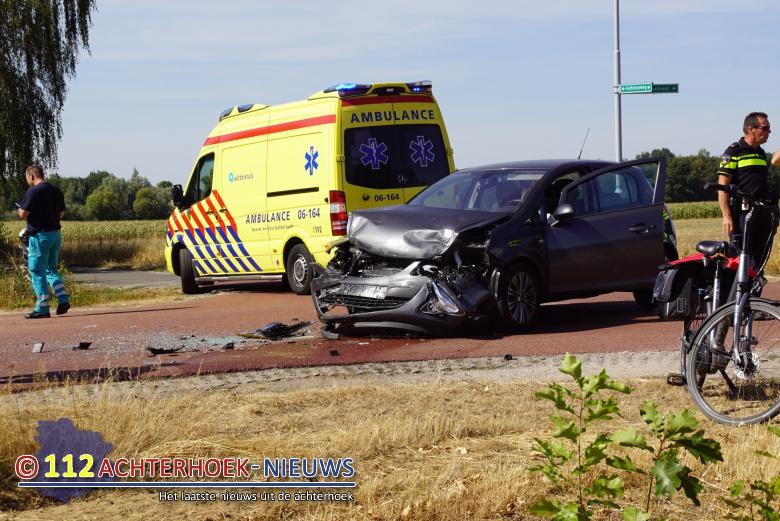 Lichtgewonde na verkeersongeval in Hengelo.