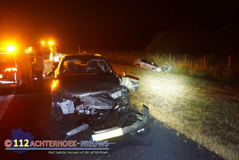 Auto's negeren afsluiting na ongeval op A18 bij Gaanderen.