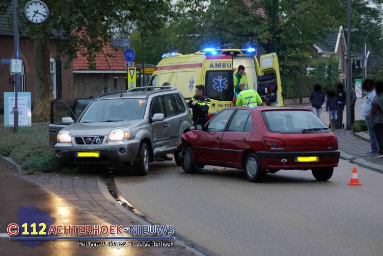 Een gewonden bij aanrijding in het centrum van Westendorp.