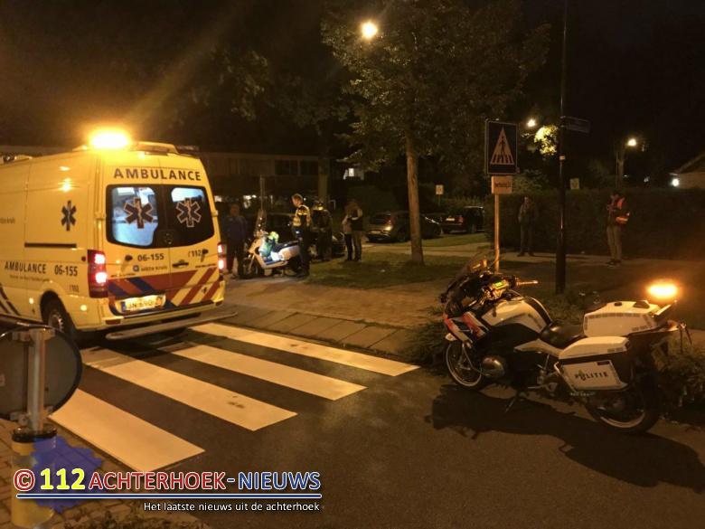 Geen gewonde na botsing tussen auto en scooter in Doetinchem.
