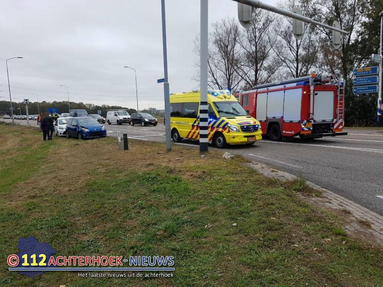 Kop Staart aanrijding met 3 voertuigen Europaweg Bedrijvenweg Doetinchem.