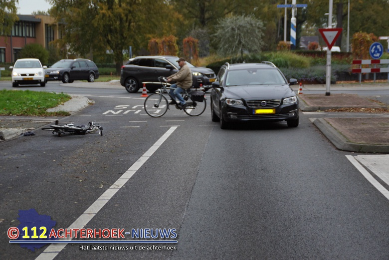 Fietsster raakt gewond na aanrijding in Winterswijk.