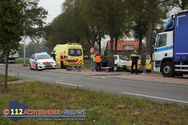 Fietsster aangereden door vrachtwagen op N318 bij Bredevoort.