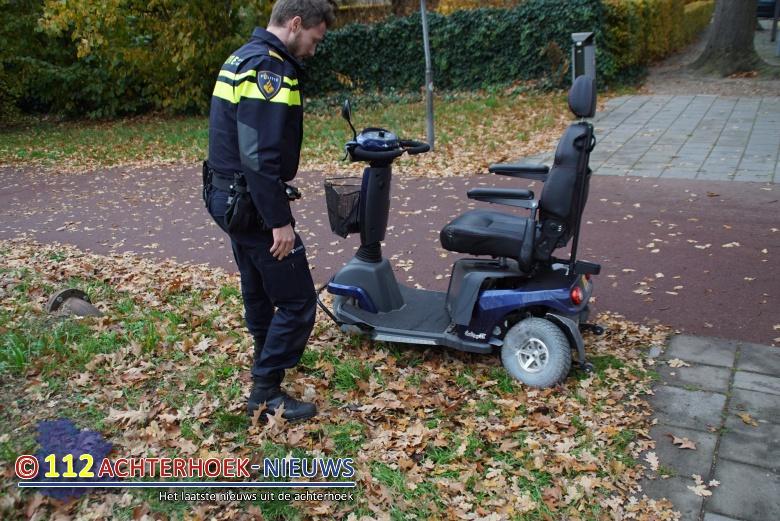 Scootmobiel op fietspad aangereden door automobilist Winterswijk.